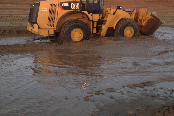 Loader in the mud - 01